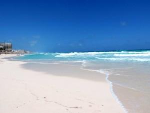 DSCN0035 Playa Delfines - Cancun