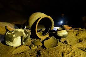 more Mayan pots