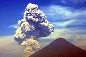 DSCN2060 an eruption