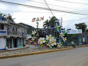 dscn5604-entrance-to-san-juan-del-sur