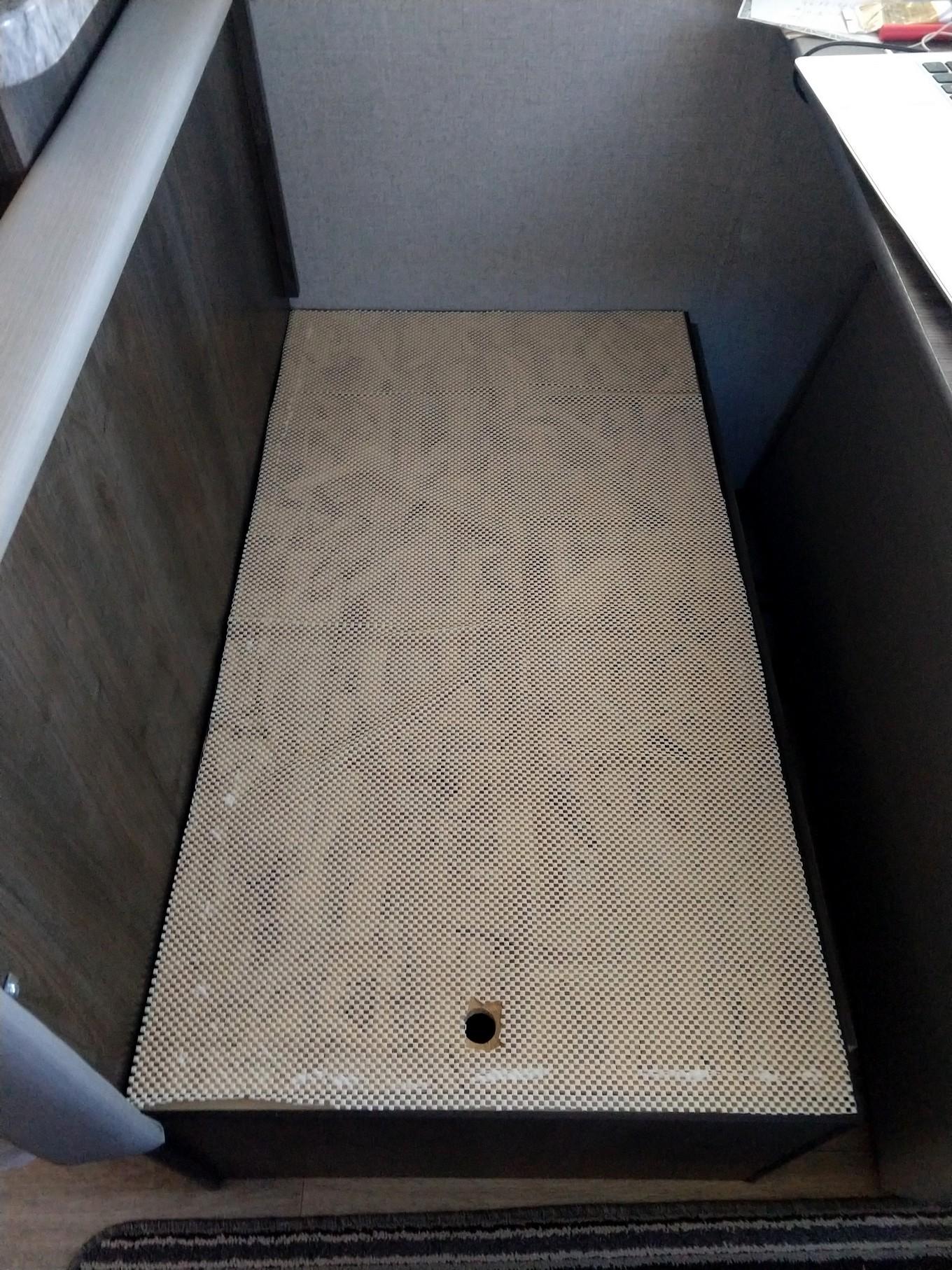 under dinette seats to prevent sliding (1)