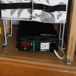 DSC07806 1000W inverter in bottom of closet